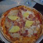 Haway (hawaiian) pizza