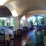 o restaurante acoolhedor, o tecto em abóboda