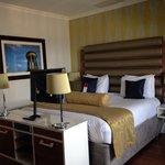 Lovely huge bed :D