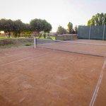 La cancha de tenis al amanecer
