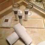 Körperpflegeprodukte im Badezimmer