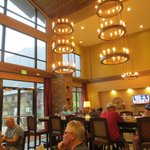 Lobby/eating area