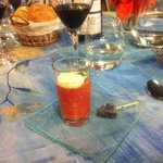 Amuse bouche : caviar de tomate et sucette de chèvre frais
