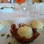 baccalà mantecato con cestino di patate