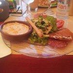 Salade camembert
