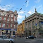 Не гуляйте по Невскому без фотоаппарата