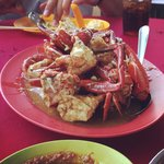 The chilli crab with its tasty sauce!