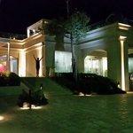 Ingresso Dune Suite Hotel di sera