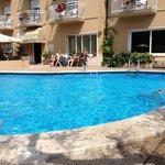 poolside hotel Romeo