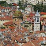 vue sur les toits du vieux Nice