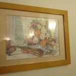 部屋に飾ってある絵画
