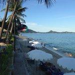 Blick von der kleinen Bar zum Strand