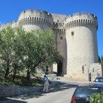de ingang van het Fort