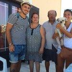 con Stavros e sua moglie e maximus