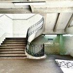 Le scale che raccordano illivello del mercato con le ampie gallerie che si affacciano sul mercat