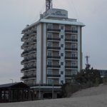 Hotel visto desde la playa