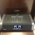 iPod dock alarm clock setup