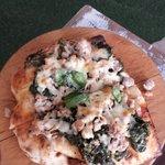 Pizza alla brace Friarelli e Salsiccia con provola