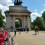 Wellington Arch Horse Guard 1