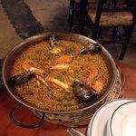 La paella più buona della Spagna! Locale bellissimo, personale gentile e simpatico, ottima quali