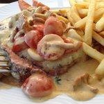 Steak in Pfifferlingrahmsauce - ein Beispiel aus der Saisonkarte