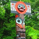 dalla ciclabile i totem