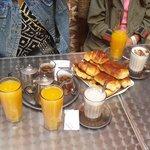 Petit déjeuner chez driss dans la medina