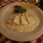 Ombrina con salsa di grani di senape