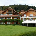 Hotel zum See hin