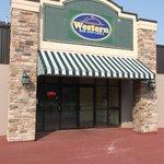 Western bar & grill