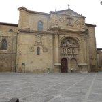 Plaza del Parador, al lado catedral