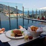 Snack en la terraza.-