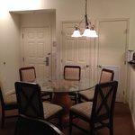 Apt 3405 Dining area