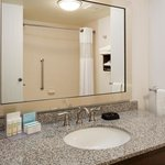 Bath tubs or walk in showers available at the Hampton Inn & Suites Minnetonka