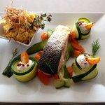 Filet de saumon et légumes croquants