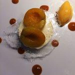 Dessert avec abricots