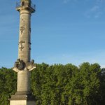 Column with nautical theme