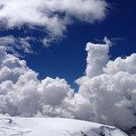 山頂には雪!