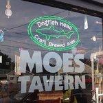 Moes Tavern