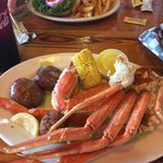 1 lb of crab legs, corn on the cob, and new potatoes :-)