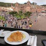 Almoço com vista para a Plaza de Armas