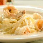 Fettuccine Alfredo w/ Shrimp