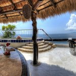 villa 3 deck and jacuzzi from palapa bar