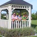 Family in gazebo (108423305)