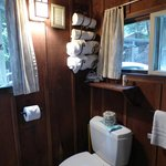The bathroom of Castro Cabin