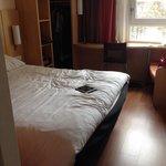 Chambre 208 - calme, petite mais fonctionnelle. Très bien !