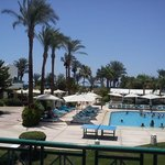 бассейн отеля Бич
