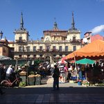 Plaza Mayor con mercado