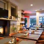 Garden Grille & Bar w/fireplace