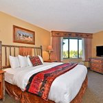 Mustang Canyon Suite